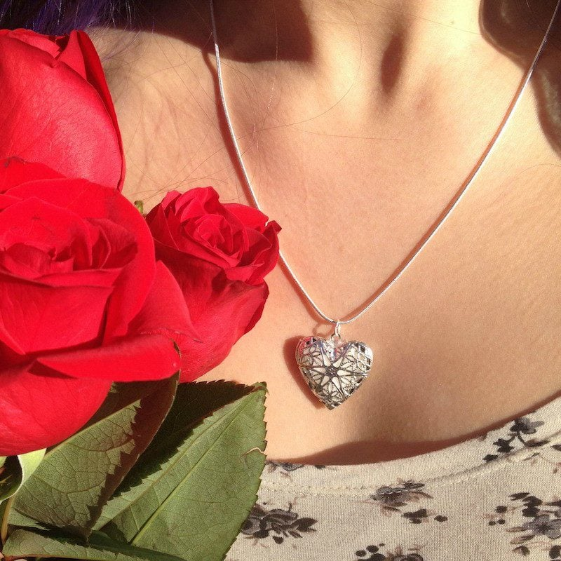 heart-locket-artisan-aromatics-aromatherapy-jewelry